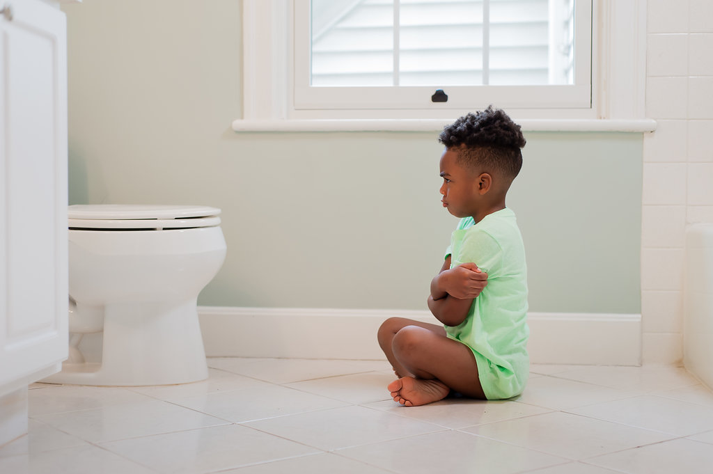 Potty training stubborn kids can be a frustrating experience for moms, dads and children. Whether you're potty training boys, girls, toddlers or a 5-year-old, these tips for potty training stubborn kids will help you ditch the diapers for good.