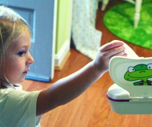 Wondering when to start potty training your children? Using the potty independently is an important life skill for kids, and it can be an exciting time for toddlers. It can also be stressful. One of the most important potty training tips is waiting until your kids are ready. Whether you're potty training a baby, a 4 year old, boys or girls, here are six signs that your child is ready to start using the potty.
